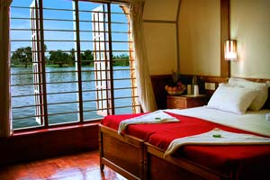 Alleppey Houseboat Online Booking